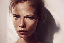 jpeg image of model Eloise